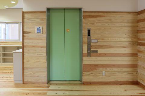 15 1階廊下・エレベーター前