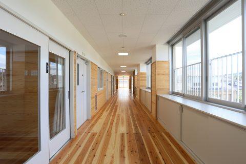 76 2階廊下(2)