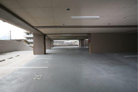 2階駐車場